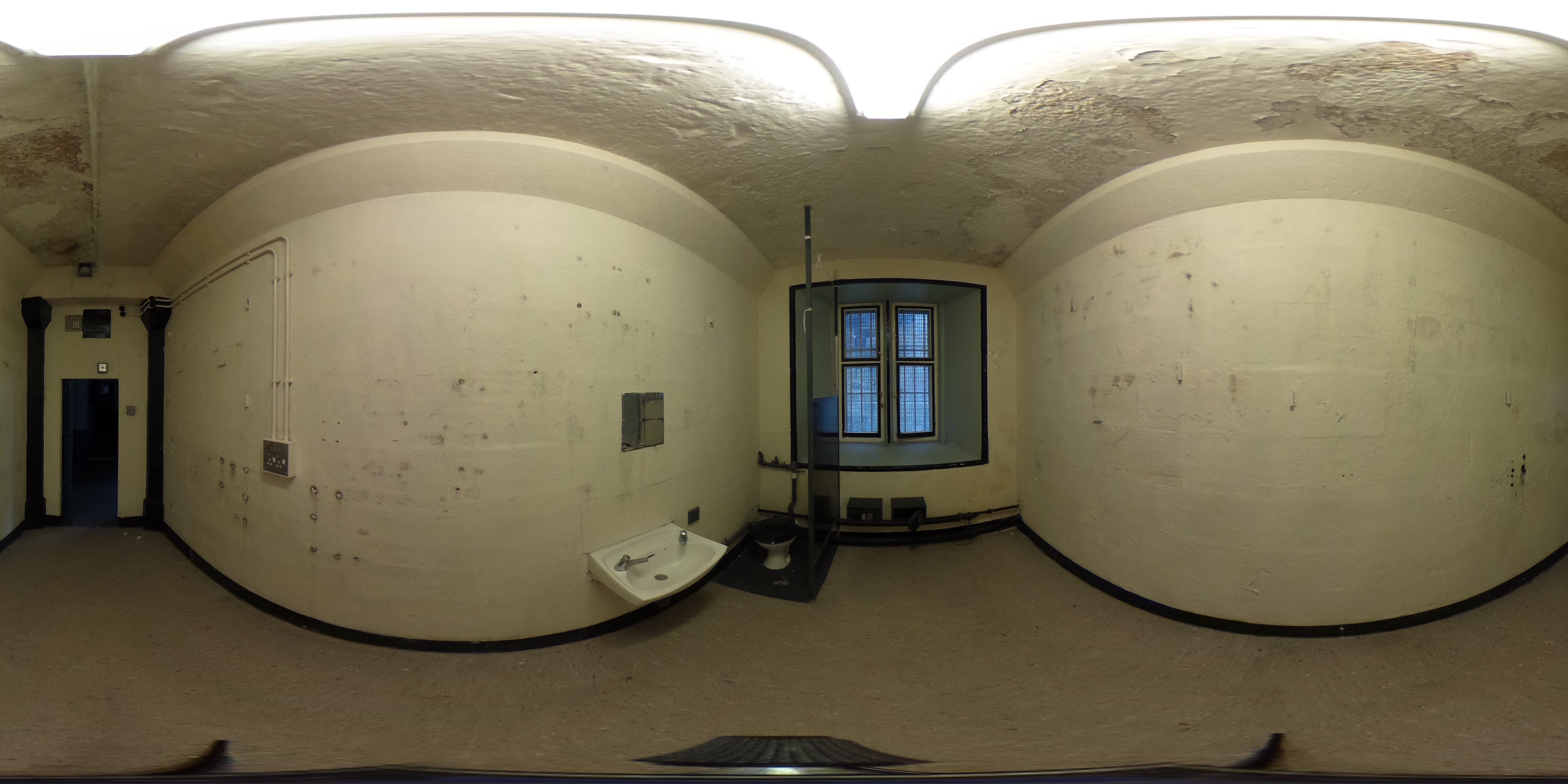 A block prison cell